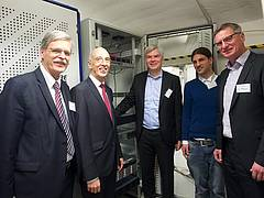 From left to right: Prof. Dr. Bernd Engler, President of the University of Tübingen, Prof. Dr. Wolfgang Rosenstiel, Dean of the Faculty of Science at the University of Tübingen, Dirk Wittkopp, Vice President Germany Lab IBM, Wolfgang Fuhl, Department of Computer Science, Dr. Wolfgang Maier, Director Hardware Development IBM. Photos: Friedhelm Albrecht/University of Tübingen